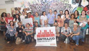 Servidores aprovam calendário de lutas contra reformas em março