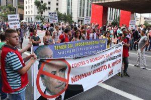 08/03/17 – Mulheres protestam em todo o país contra reforma da Previdência