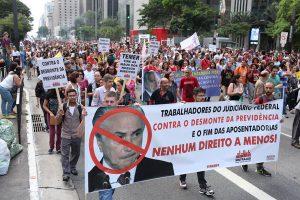 Mulheres protestam em todo o país contra reforma da Previdência
