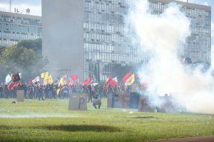 """24/05/17 – #OcupaBrasília – """"Fora Temer e as reformas"""""""