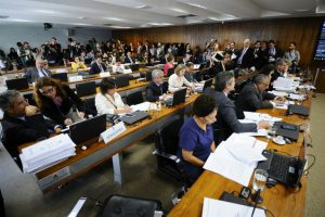 Rejeição do parecer na CAS é 1ª derrota de Temer nas votações das reformas