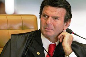 """Fux rejeita ações que cobravam responsabilização de Guedes por chamar servidores de """"parasitas"""""""