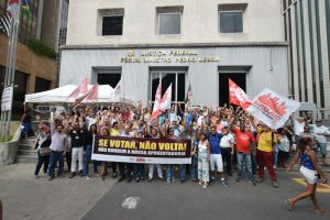 Servidores avisam: parlamentar que votar a favor da reforma da previdência ficará sem voto