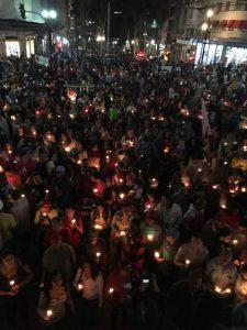 Ato em solidariedade às vítimas do desabamento reúne milhares em São Paulo
