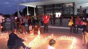 Vigília cobra data-base em frente ao STF e servidores exigem justiça