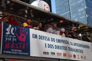 Trabalhadores fazem protestos em diversas cidades no 'Dia do Basta'