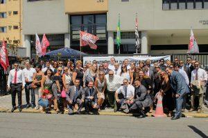 Ato em Santos une diversas categorias para defender Justiça do Trabalho