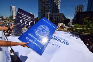 Servidores, juízes e advogados retomam luta em defesa da Justiça do Trabalho