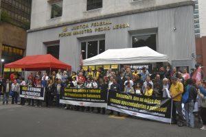 Manifestações contra a PEC da Previdência levam milhares às ruas