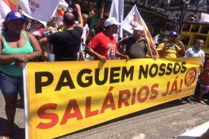 Corte de direitos empurra terceirizados à greve