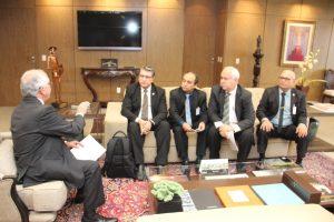 Dirigentes do Sintrajud e da Fenajufe participam de reunião com o presidente do TST