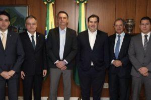 Substitutivo do relator mantém diretrizes da 'reforma' da Previdência de Bolsonaro