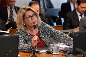 Comissão do Senado aprova projeto que permite demitir servidores e o remete direto ao plenário