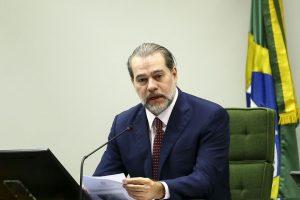 Data-base: o impasse jurídico e a luta política, por Tarcísio Ferreira