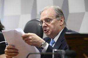 Relator recusa emendas e texto que retira R$ 900 bi de aposentadorias vai a voto