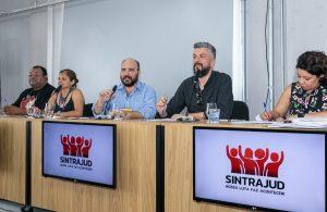 Servidores aprovam luta contra os 'pacotes de maldades' de Bolsonaro