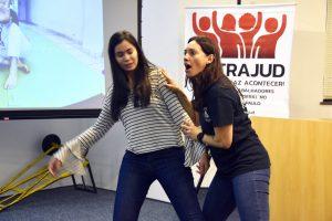 Roda de conversa no JEF orienta mulheres a se defender da violência