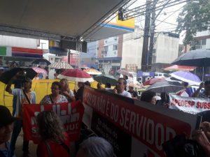 Servidores protestam contra 'reforma' da Previdência estadual em Cubatão