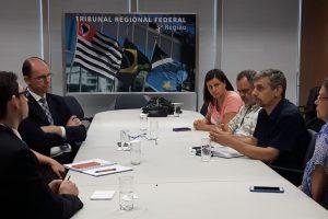 TRF/JF: Sindicato cobra suspensão de ponto eletrônico e discute 'saúde' e recesso com diretor-geral