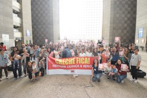 Servidoras e servidores comemoram reabertura de inscrições para creche do TRT-2