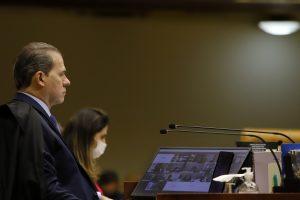 Barroso nega levar ADIs da Previdência a sessão remota