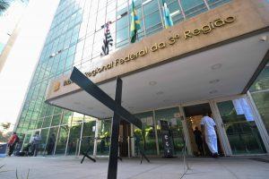 Sintrajud cobra suspensão do processo de reabertura no TRF/JF