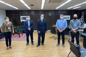 Sintrajud debate condições de trabalho e orçamento em reunião com presidente do TRT-2